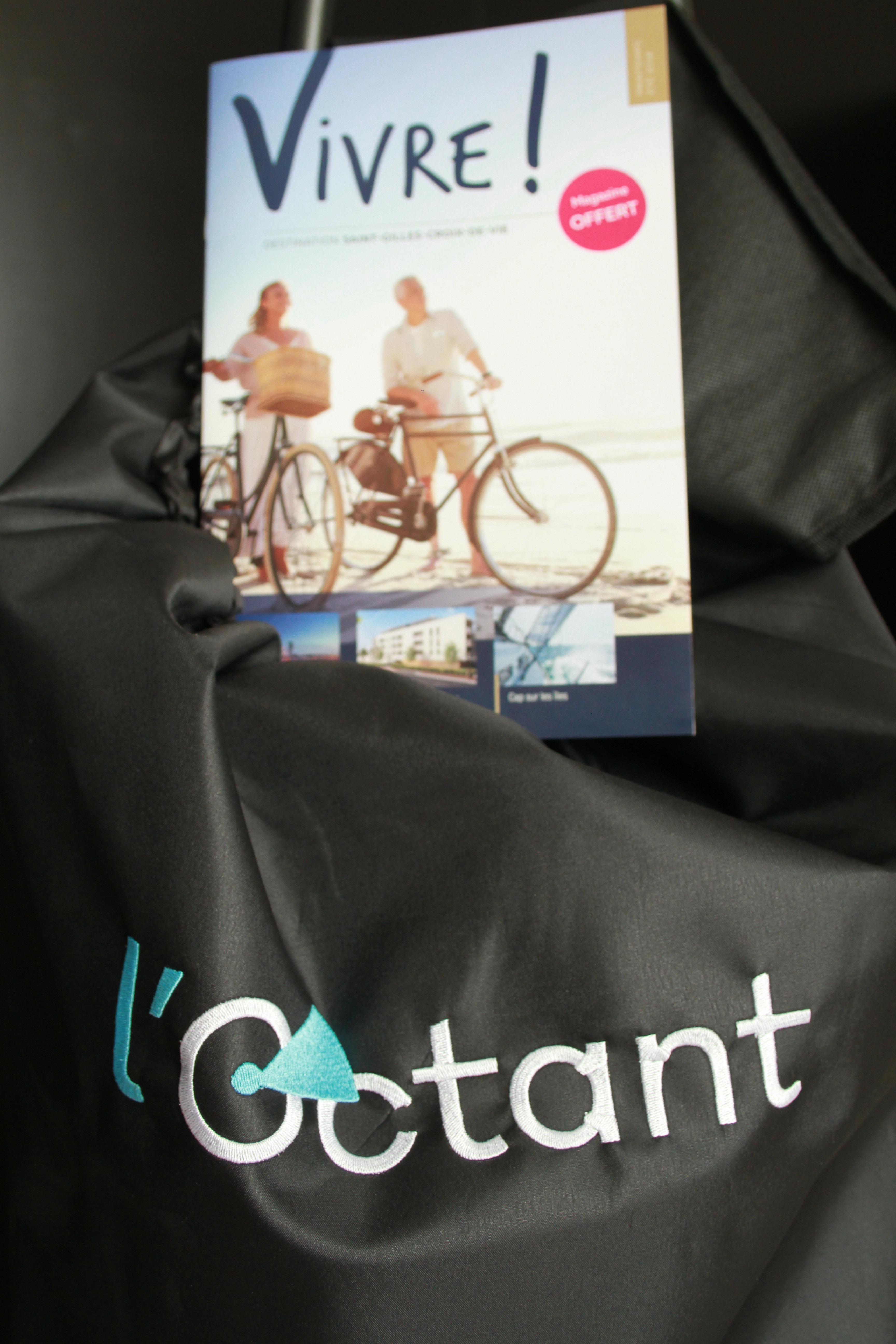 Chariot de courses et magazine L'Octant